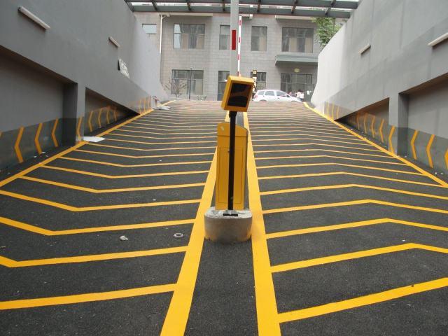 防震动止滑车道,防震动车道,地下车库车道